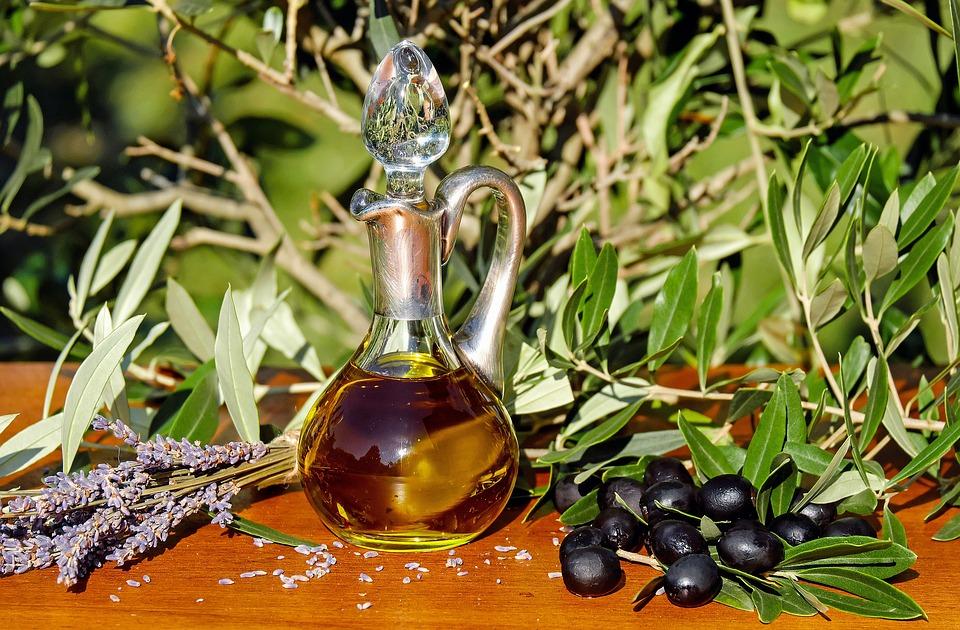 olive-oil-1596417_960_720_1
